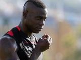Балотелли призвал «Милан» купить у «Интера» Икарди