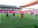 Курьезный автогол в матче чемпионата Бразилии (ВИДЕО)
