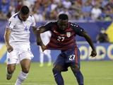 Защитник сборной Сальвадора укусил и ущипнул за сосок нападающего сборной США (ВИДЕО)