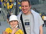 Сборная Украины помогает спасти юного футболиста