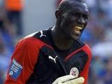 Сбежавший вратарь Исса Ндойе с помощью ФИФА требует от «Волыни» деньги