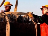 Катар отчитался об улучшении условий труда рабочих, строящих объекты к ЧМ-2022