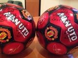 Луи Саа подписал мячи для украинских воинов