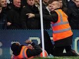 На матче «Челси» — МЮ травму получил… стюард