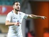 Манолас дисквалифицирован за намеренное получение желтой карточки и пропустит стыковой матч против Хорватии