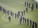 Во Франкфурте футбольные болельщики подрались с полицейскими