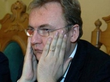 Андрей Садовый: «Никогда еще футбольные функционеры державу не сдавали»