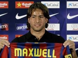 «Барселона» отпустила Максвелла в ПСЖ