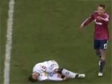 Игрок «Шальке-04» подозревается в намеренном нанесении травмы сопернику (ВИДЕО)