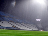 Центральный матч чемпионата Франции отменен из-за дождя
