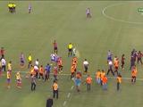 Матч в Бразилии был прерван из-за удаления 9-и игроков