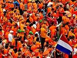 Голландский священник уволен за любовь к оранжевым цветам сборной
