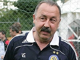 Валерий ГАЗЗАЕВ: «Шовковский тренируется, но с ограничениями»