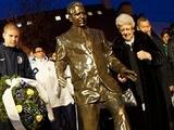 В Будапеште открыли памятник Пушкашу (ФОТО)