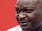 Роже Милла уволен с поста почетного президента Федерации футбола Камеруна