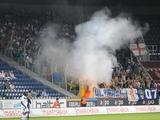 Болельщики «Генка» разжигали огонь на трибунах стадиона в Остенде