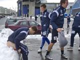 Норвежский тренер посадил футболистов голыми… в снег