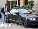Полиция разбила Bentley португальца Нани