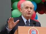 Вице-президент УЕФА: «Моуринью пора сыграть в хорошего парня»