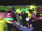 Футболисты сборной Швеции разгромили студию телеканала Eurosport (ВИДЕО)