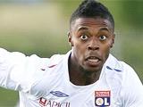 Бастос останется в «Лионе» до 2015 года