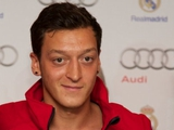 Гуллит: «Эзил был бы полезен сборной Голландии»