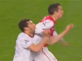 Ван Перси не накажут за удар соперника локтем в лицо (ВИДЕО)