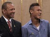 За переход в «Барселону» Неймар и его отец получили 40 млн