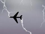 Молния прошила самолет с саратовской футбольной командой