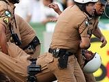 После матча чемпионата Бразилии полиция вынуждена была стрелять по фанатам