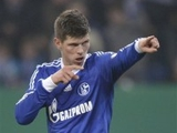 Хунтелар решил продлить контракт с «Шальке»