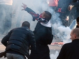 Двое болельщиков «Челси» получили ранения в ходе столкновений в Стамбуле