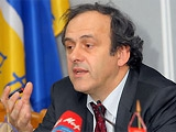 Платини поддерживает перенос ЧМ-2022 на январь