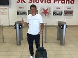 Руслан Ротань уже в офисе «Славии» (ФОТО)