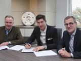 Официально: Левандовски продлил контракт с «Баварией» (ФОТО)