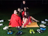 Испанские футболистки разделись для календаря. ФОТО