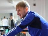 Роман БЕЗУС: «Во многих командах бывает наказание в виде отжиманий»