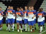На «Донбасс Арене» голландцам устроили «комендантский час»