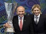 """Зенит"" передал Стамбулу Кубок УЕФА"