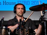 Петр Чех – барабанщик (ВИДЕО)