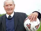 Валийский тренер ушел в отставку в возрасте 93-х лет
