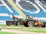 На стадионе «Черноморец» срочно меняют газон