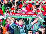 У фанатов «Локомотива» отбирали майки с лозунгами против руководства