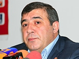 Глава армянской федерации футбола подает в суд на экс-тренера национальной сборной