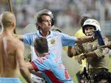 Аргентинские футболисты после матча подрались с полицией