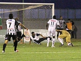 Бразильский клуб наказали за вмешательство массажиста в игру