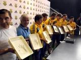 Украинские футболисты оставили свои ладони на «Стене Славы»