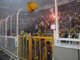 После матча «Фенербахче» — «Галатасарай» фанаты хозяев устроили беспорядки