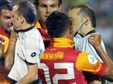 Полузащитник «Галатасарая» дисквалифицирован на 11 матчей за нападение на судью