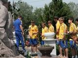 Игроки молодежной сборной почтили память Валерия Лобановского